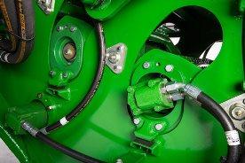 Rolamentos externos e blocos amortecedores nos suportes do motor