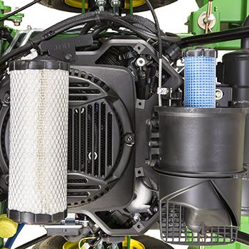 Orifice de nettoyage moteur et filtres à air déposés