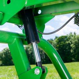 Le système hydraulique permet de procéder à des réglages à partir du siège du tracteur