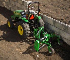 Les commandes hydrauliques permettent un réglage facile à partir du siège du tracteur