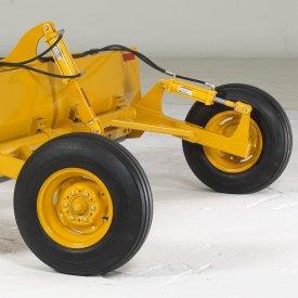 Des gros pneus pour un nivellement plus uniforme et une meilleure portance