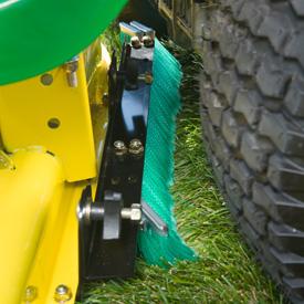 Machine d'entretien de pelouses similaire illustrée - vue latérale