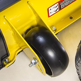 Les roues du corps de tondeuse sont à double ancrage pour une durabilité accrue