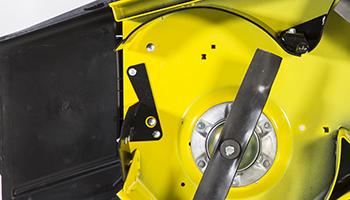 Accessoire MulchControl avec déflecteur ouvert
