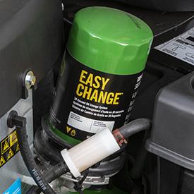 Filtres à carburant et à huile interchangeables (modèleZ365R illustré)