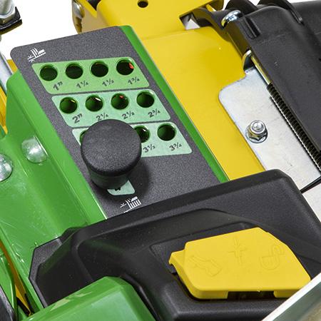 Dispositif de réglage de la hauteur de coupe du corps de tondeuse et verrouillage de transport