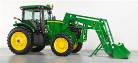 Tracteur en marche arrière s'éloigner du chargeur (7R/H480)