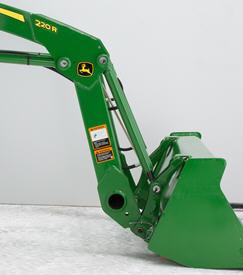 Support pour tracteur utilitaire compact (à changement rapide) sur le chargeur220R et godet standard de 1450mm (57po)