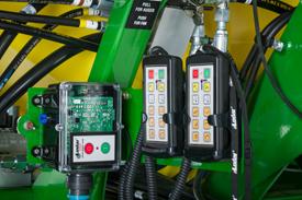 Récepteur et télécommande fixée par câble