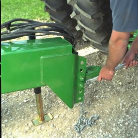 Réglages de l'attelage réglable pour correspondre à la hauteur du tracteur