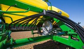 Ventilateur et tuyaux souples de distribution de semences du semoir1720 à systèmeCCS