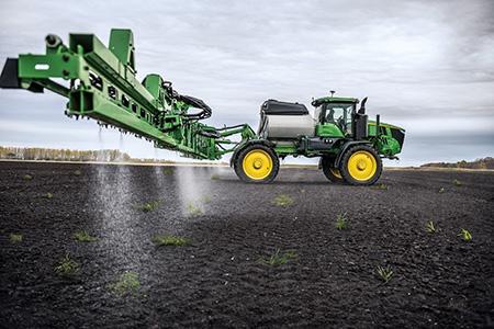 Détectez et pulvérisez les mauvaises herbes avec le système See & Spray Select