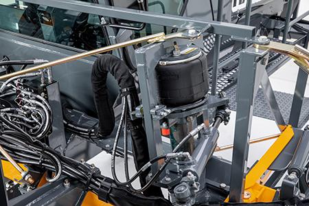 Écimeuse de maïs Hagie™204SP avec suspension pneumatique indépendante