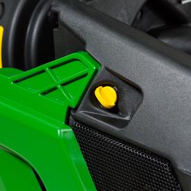 Fixations sur les panneaux latéraux du moteur