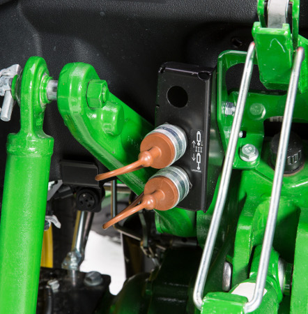 Distributeurs auxiliaires arrière des tracteurs 4M pour gros travaux