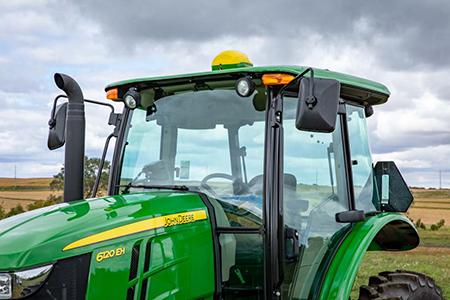 Récepteur StarFire6000 sur le tracteur6120EH