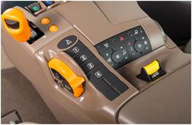 Boutons de vitesse présélectionnée et régulateur de vitesse présélectionnée