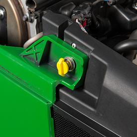 Quarter turn fastener to remove engine side panels
