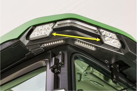 BRE10445 Phares de travail du toit de la cabine - illustré de l'angle arrière gauche