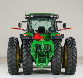 Tracteur de la série 8R avec moyeux jumelés