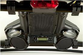Colis de système stéréo et de haut‑parleurs posé