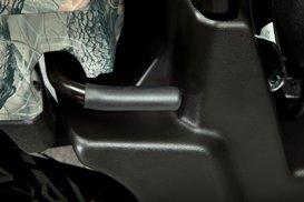 Poignée intégrée pour l'inclinaison manuelle de la caisse de chargement