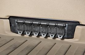 Viele 12-V-Steckdosen und USB-Ladeanschlüsse