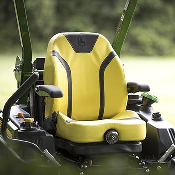 Gefederter Sitz mit hoher Rückenlehne