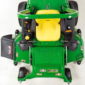 Z997R mit 183 cm breitem 7-Iron™ PRO Mähwerk
