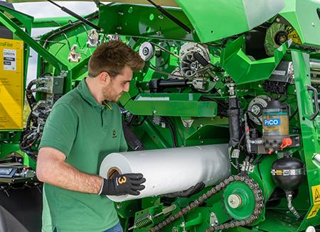 Aufbewahrungsmöglichkeit für zusätzliche Folienbinderolle