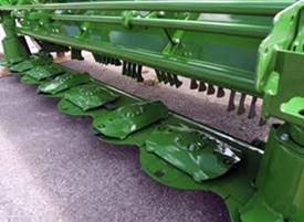 Der Antrieb des 3,5m breiten Mähbalkens