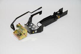 Schnellwechsler mit Hubhebel und (traktorspezifischem) Montagerahmen und Antriebssatz