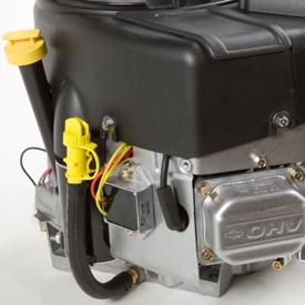 Öldeckel und Ölablassschlauch des Motors