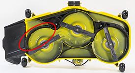 MulchControl™ Leitblech in geschlossener Position (ähnliches Mähwerk der Rasentraktoren der Serie X500 abgebildet)