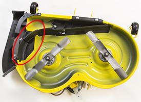 MulchControl™ con deflector cerrado