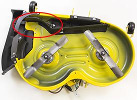 MulchControl™ con deflector abierto