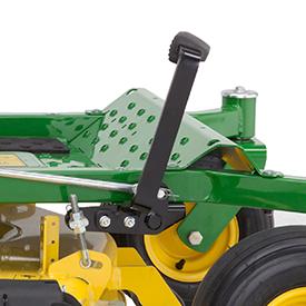 Pedal opcional para elevación de la plataforma de corte