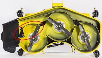 Déflecteur MulchControl™ fermé (illustration sur une unité de coupe à haute capacité de 152cm [60po])