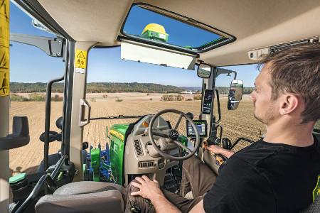 Cabine du tracteur6M