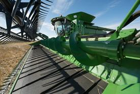Top-crop conveying auger