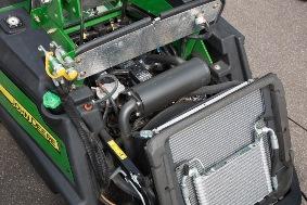 Rear-mounted radiators (1550, 1570, 1580)