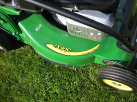 Commercial mower with exchangable steel reinforcment on aluminum chassis