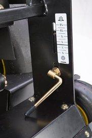 Verticutter depth adjustment