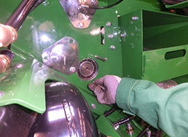 Fully greaseable bearings can be replaced easily