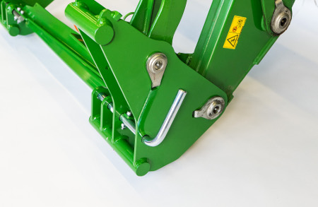 Euro carrier with attachment locking lever