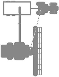 L'operatore della mietitrebbia gestisce lo sterzo del trattore