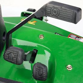 Pedali direzionali/pedali del freno principale