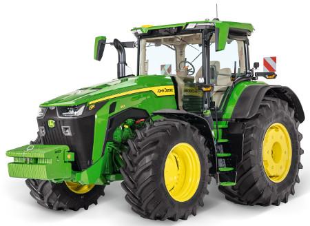 Il trattore gommato 8R, la macchina versatile