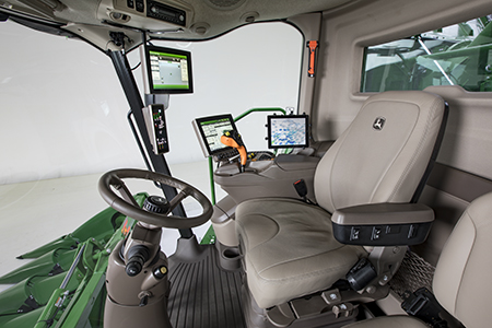 Comfortable S700 Combine cab