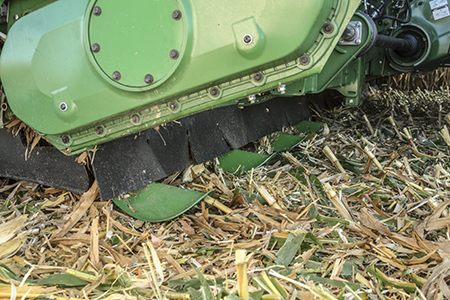 C12R Corn Head with stalk deflectors